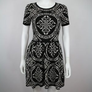 Romeo + Juliet Couture Black White Sweater Dress S
